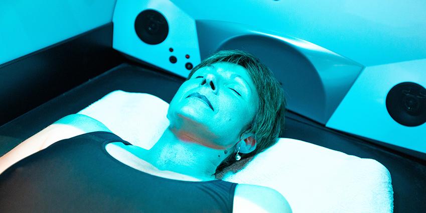 Massage sur lit massant Hydrojet chez Aqua'Bulles