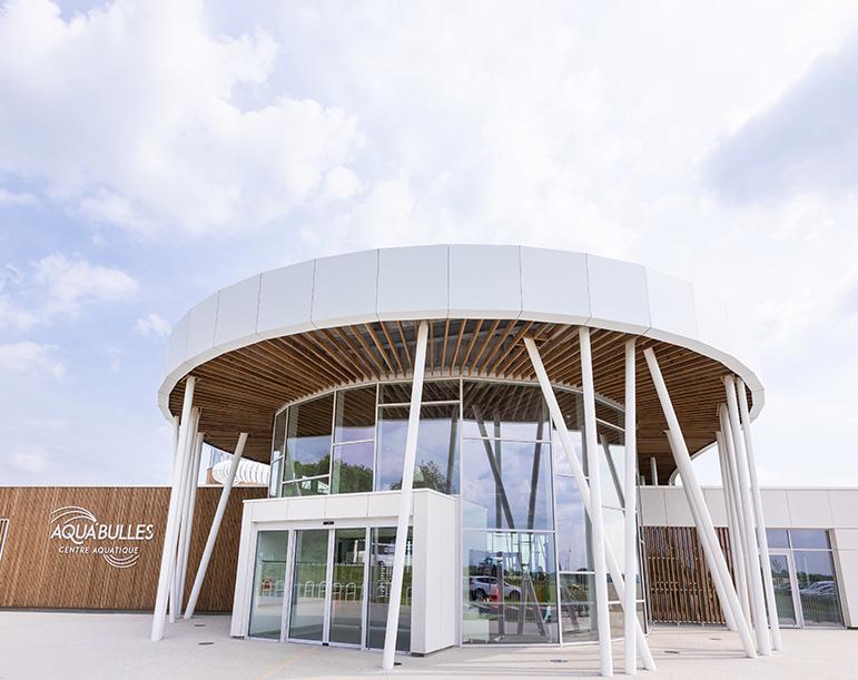 Aqua'Bulles premier centre aquatique publique avec une cabine de cryothérapie