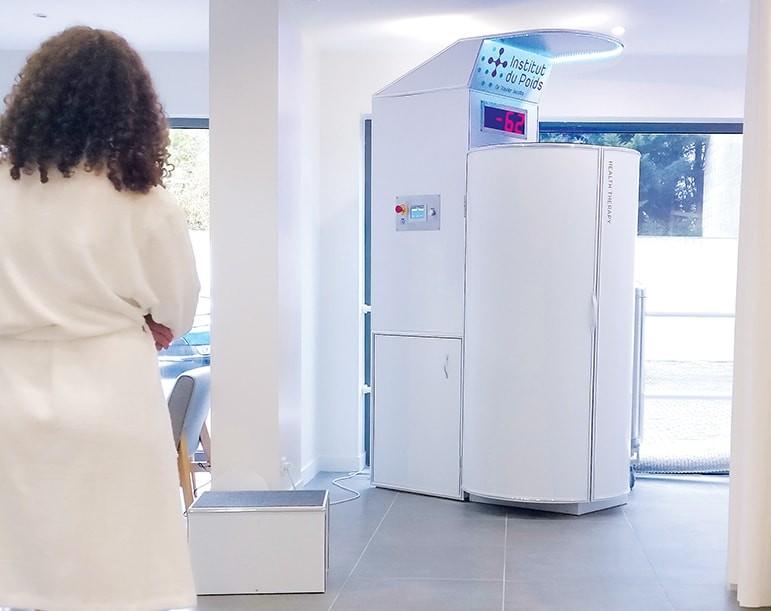 Cabine de cryothérapie Ice X à l'Institut du Poids de Namur